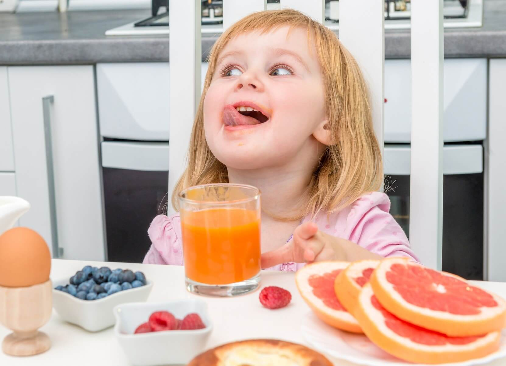 http://redwoodpd.com/wp-content/uploads/2015/12/Fruit-juice-can-damage-your-teeth.jpg
